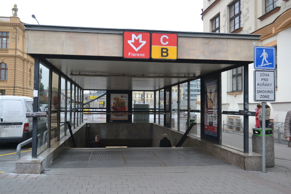 how to get from prague airport to main train station